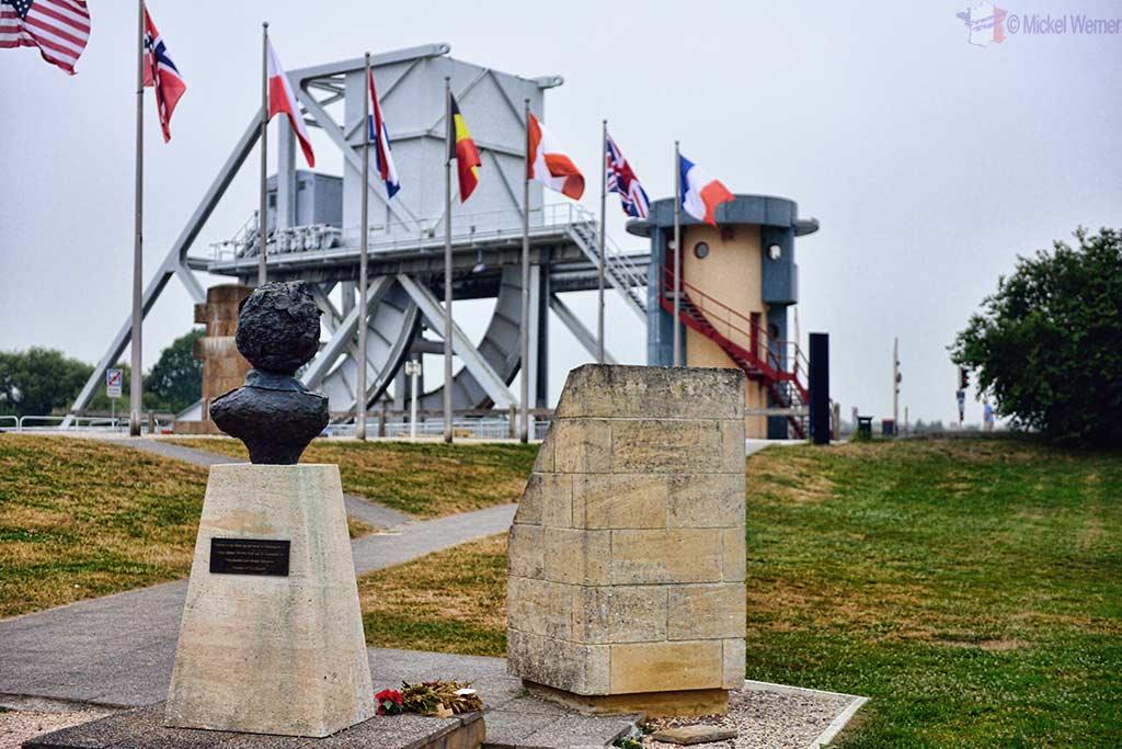 Memorial and Major John Howard statue facing the Pegasus Bridge