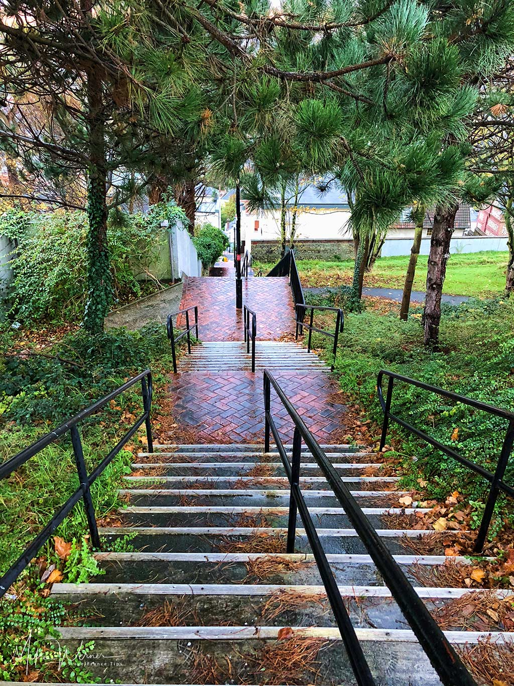 """The """"Impasse-du-Beau-Site"""" stairway that brings you to one of the big high schools of Le Havre"""