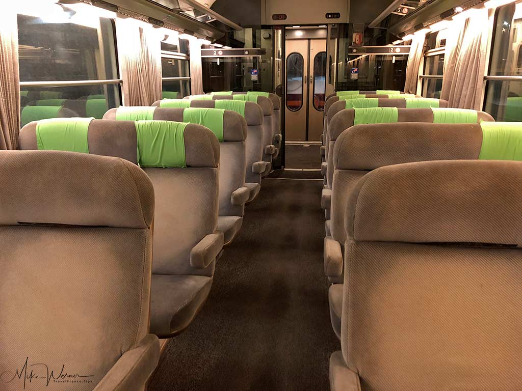 """2nd Class seating in the old """"Corail"""" Intercites train"""