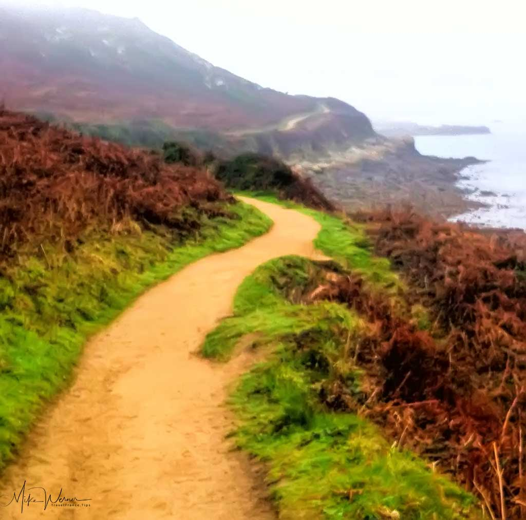 Hiking path in Brittany
