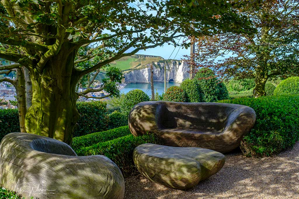 Stone bench with a view at the Gardens of Etretat