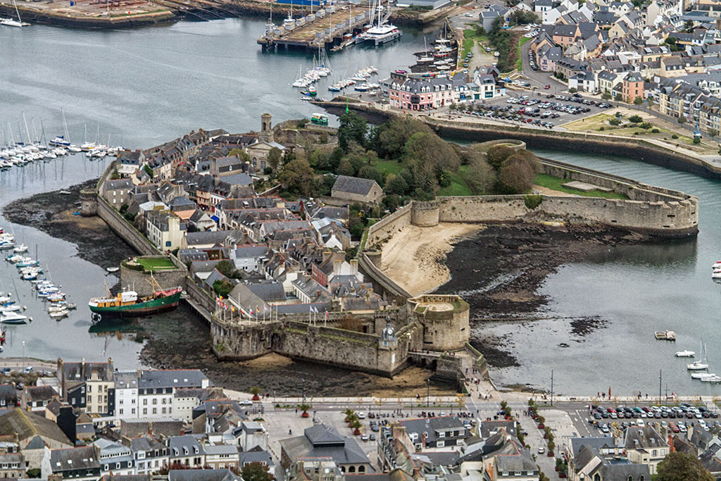 The walled city of Concarneau (C) Jean-Jacques Abalain