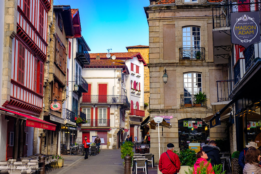 Streets with shops and restaurants in St-Jean-de-Luz