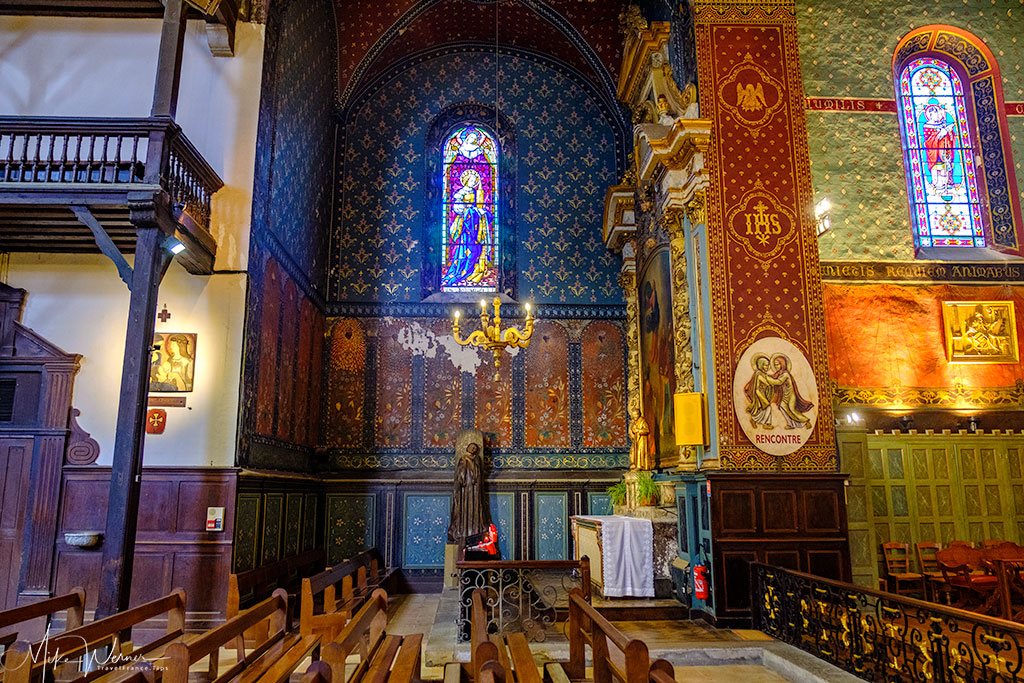 Tapestry and decorations in the Saint-Jean-Baptiste church in Saint-Jean-de-Luz