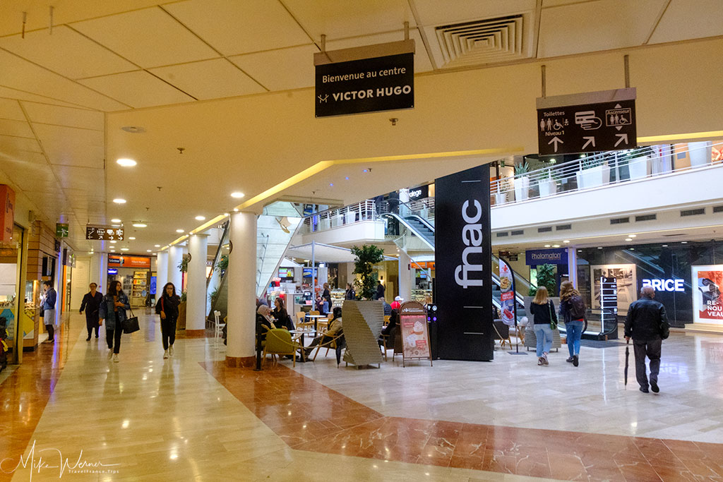 Inside a shopping mall in Valence'