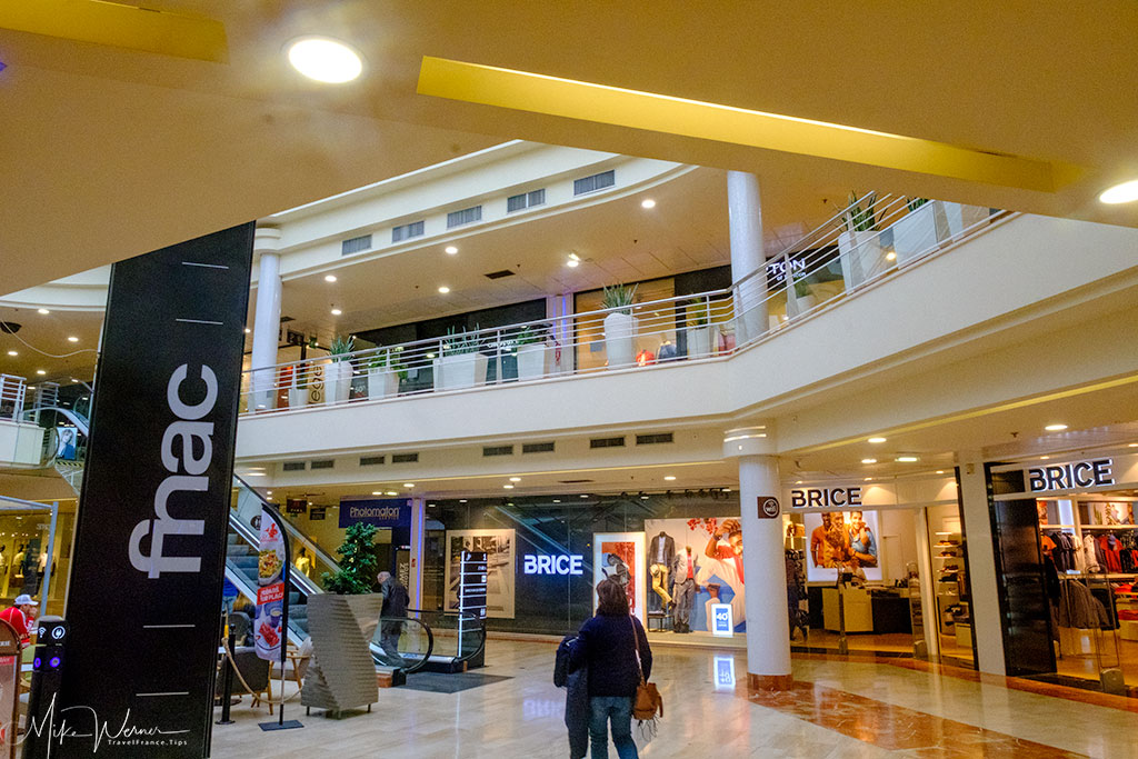 A shopping mall in Valence