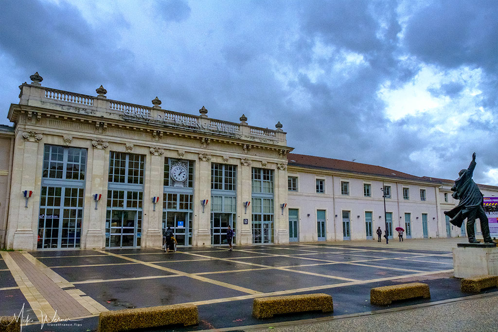 Valence Railway station