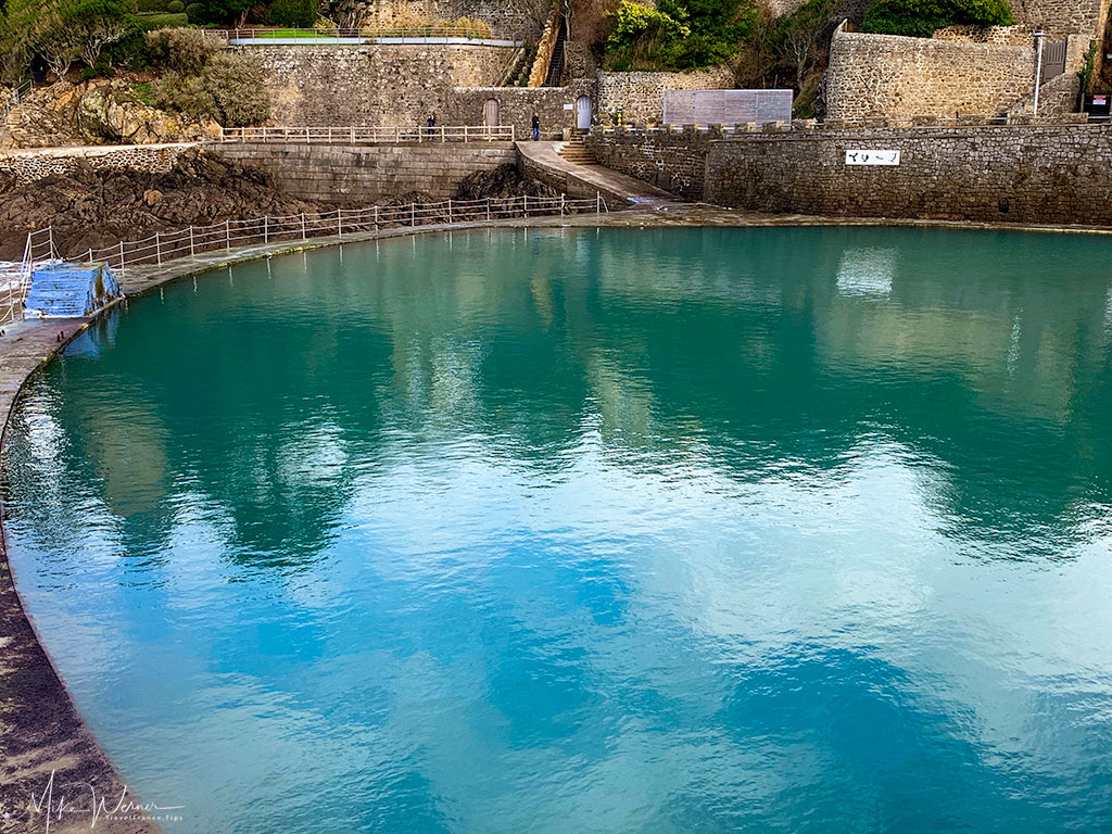 The round natural swimming pool of Dinard