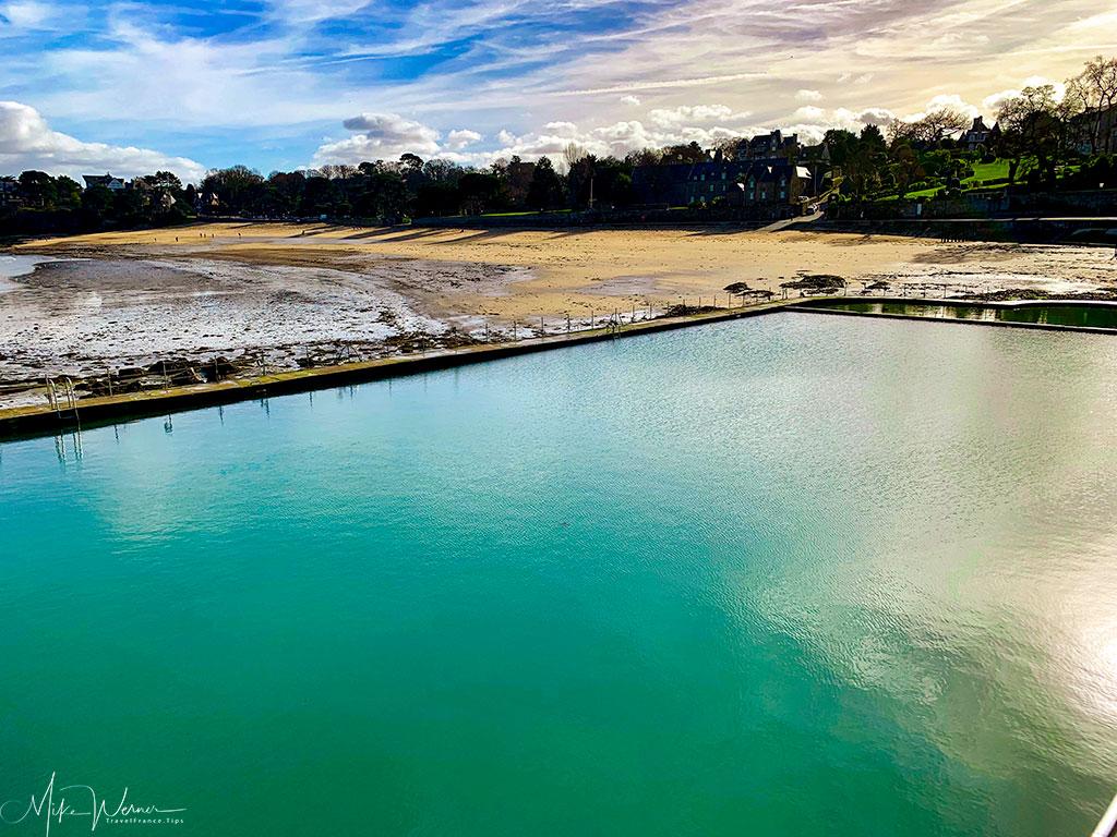 Square sea pool along the Dinard beach'
