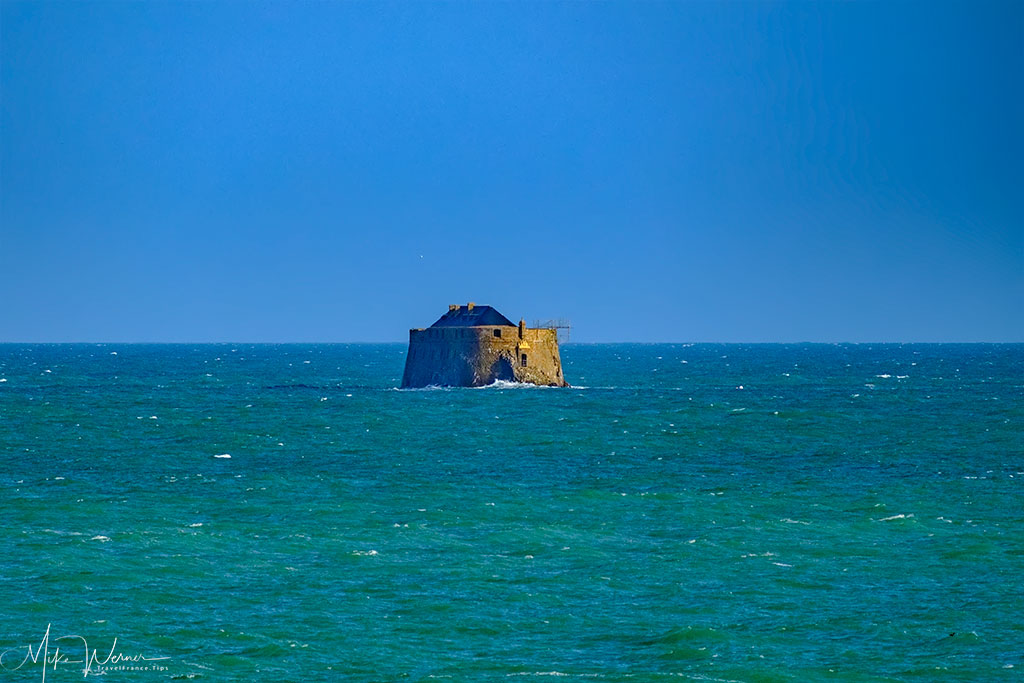 Small island fortress in front of Dinard'