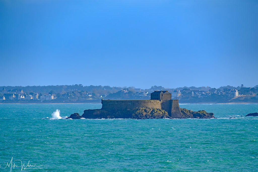 Island fortress in between Dinard and St Malo