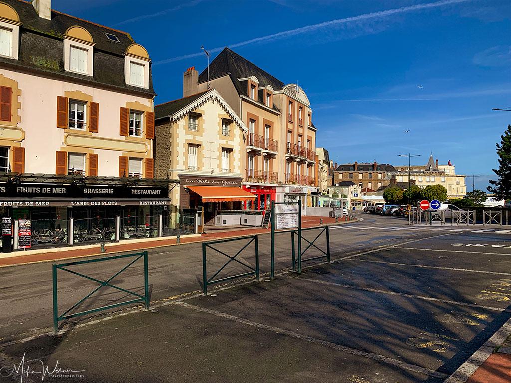 Place de la Republic shopping square in Dinard