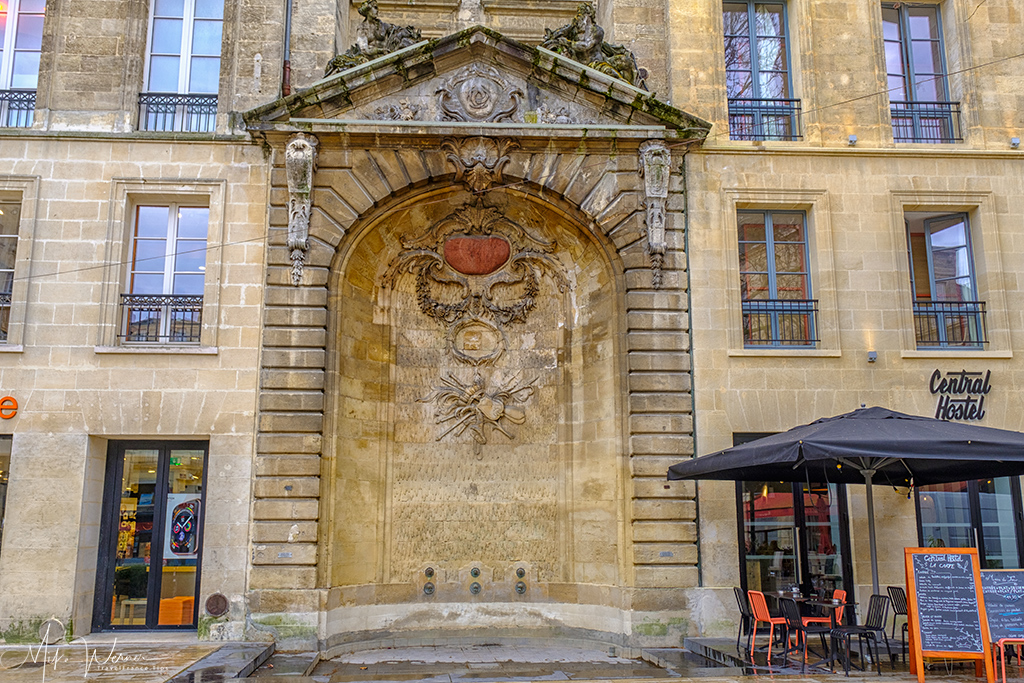 Facade of a building in Bordeaux