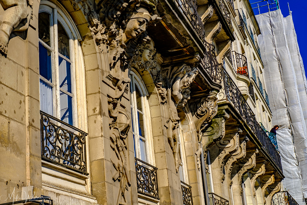 Some of the decorations of buildings in Nantes