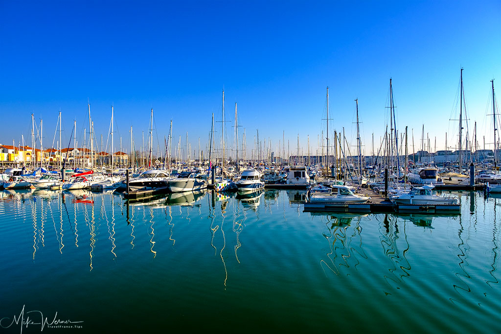 Very big pleasure boat marina in Les Sable-d'Olonne