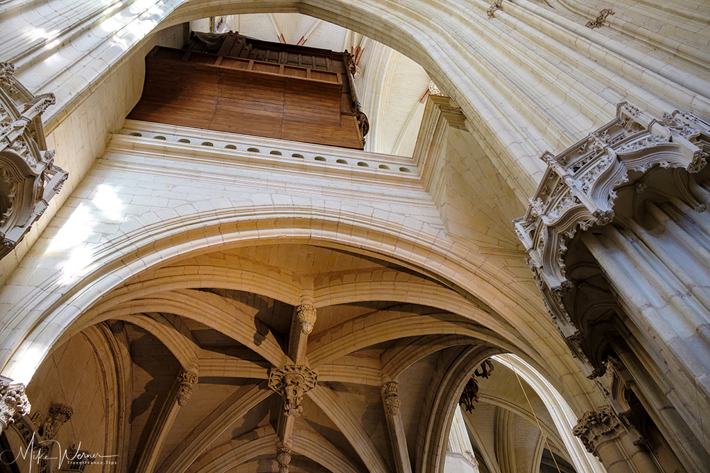 High and elaborate ceilings at the Nantes cathedral