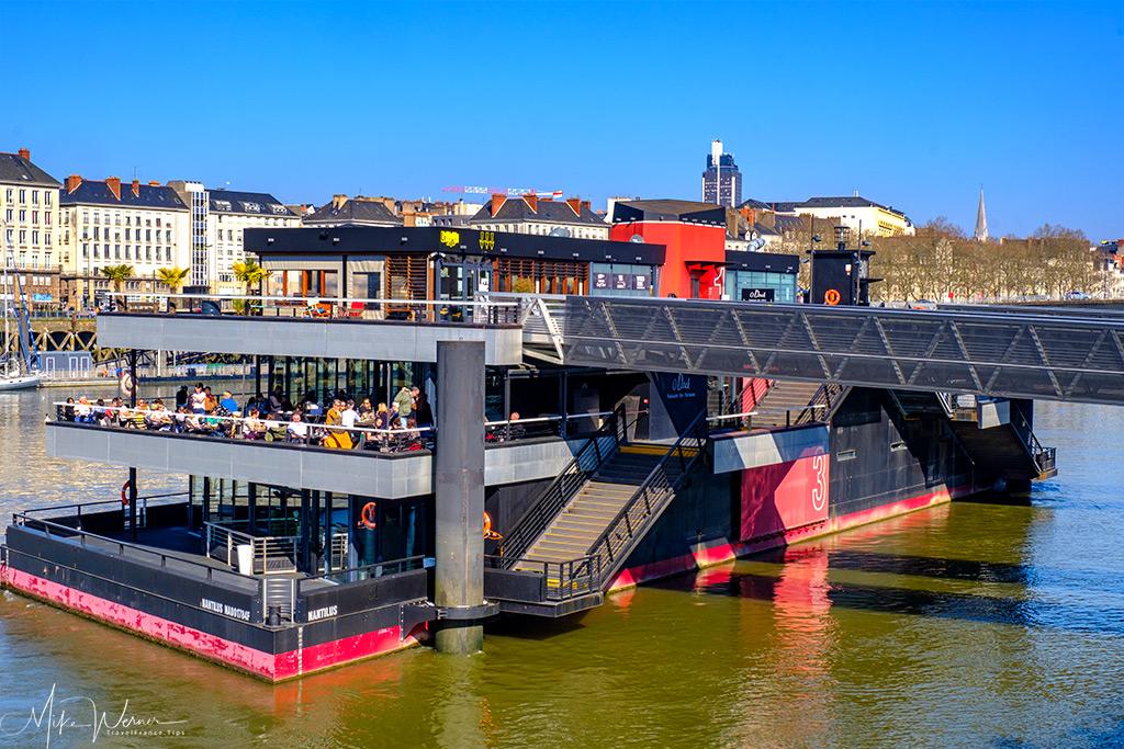 O Deck restaurant alongside the Island of Nantes