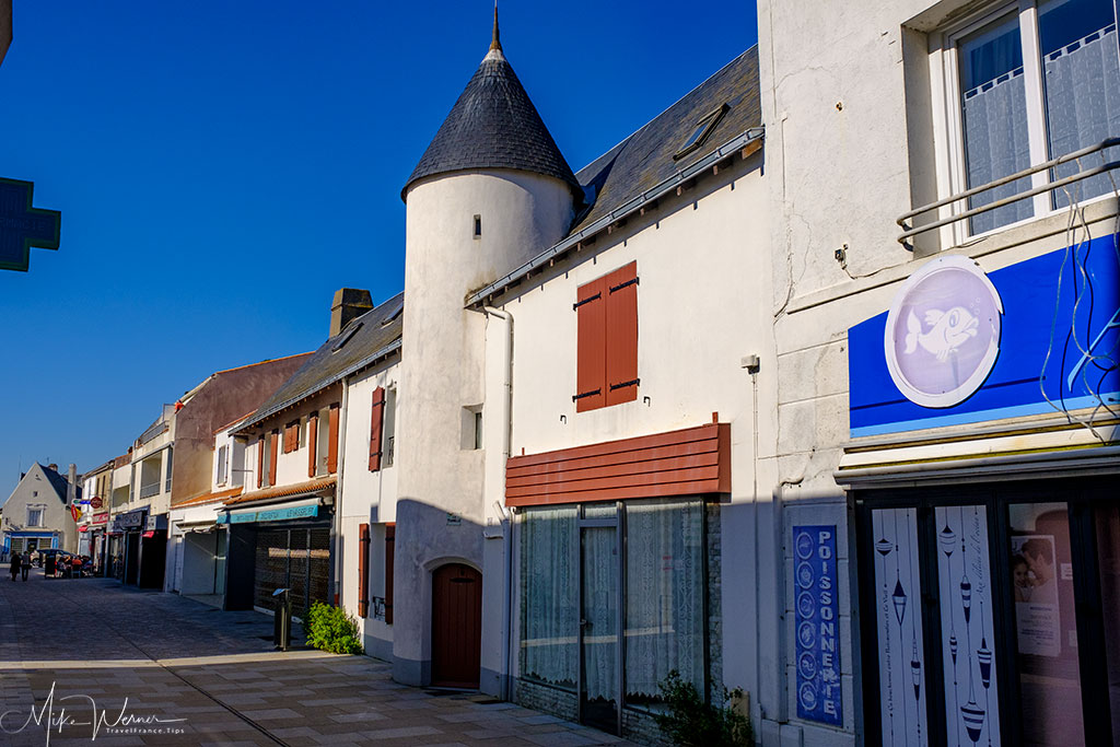House with a turret in Noirmoutier-en-l'Ile