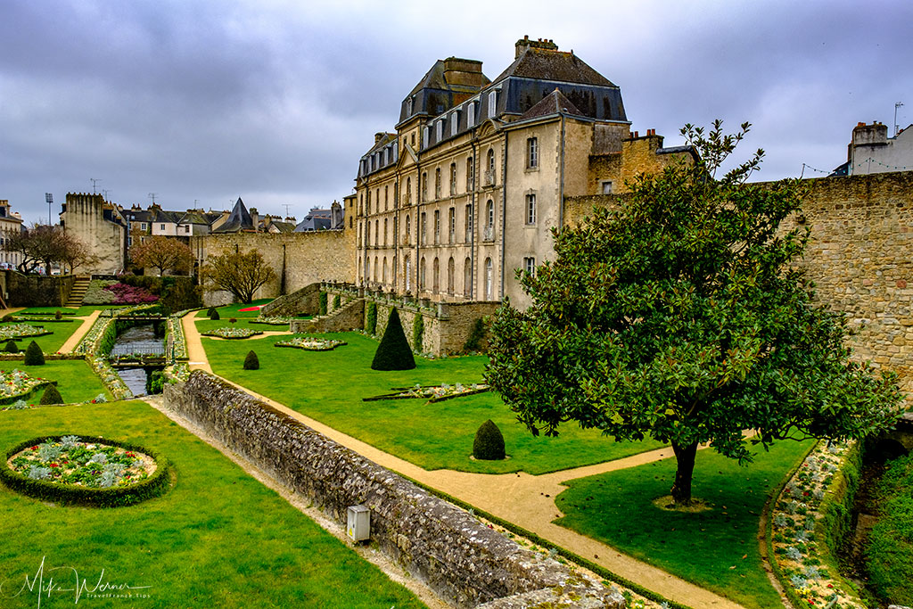 Chateau de l'Hermine alongside the fortified walls of Vannes, Brittany