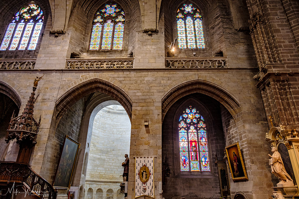 Nave stained glass of the Saint-Pierre cathedral of Vannes