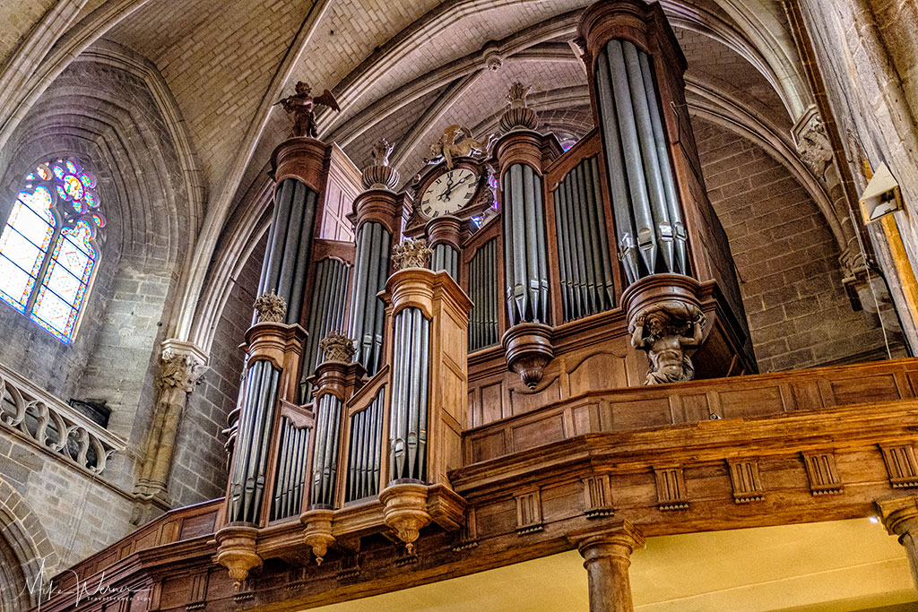 Close up of the organ in the Saint-Pierre cathedral in Vannes