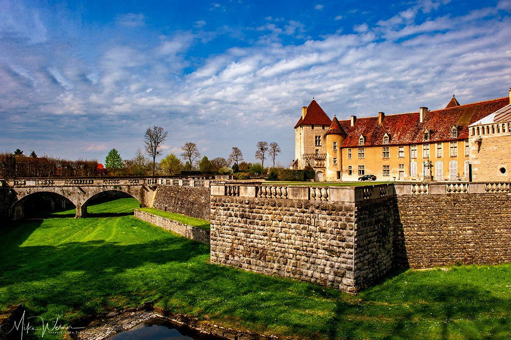 The moat of the Epoisses castle in Burgundy