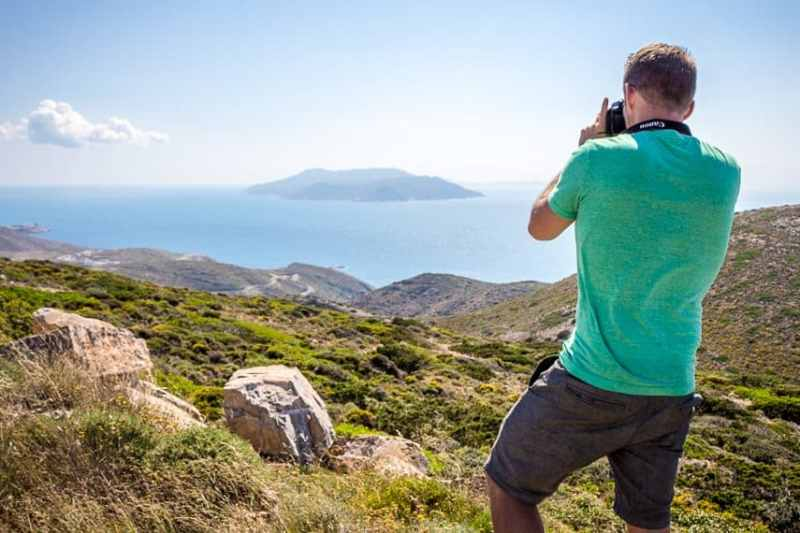 The Best DSLR Camera for Traveling: The Canon EOS Rebel SL1 (100D)