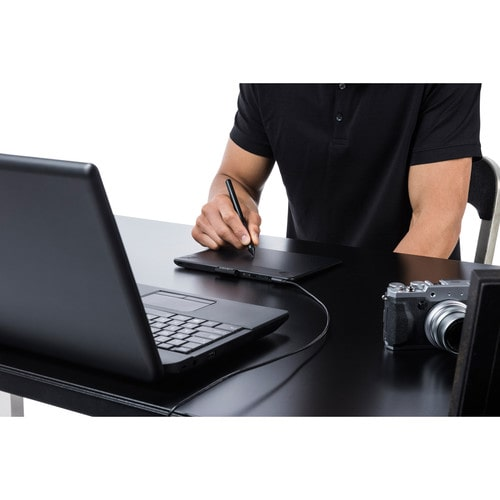 Wacom Intuos Photo Tablet and Stylus