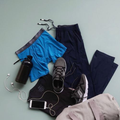 active-wear-flatlay