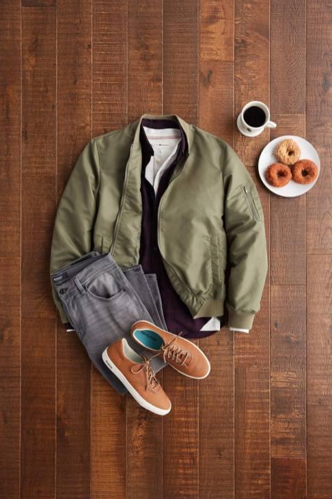 casual-clothes-flatlay