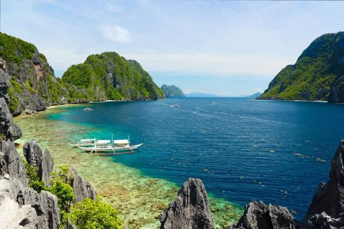 Palawan island tour to Matinloc
