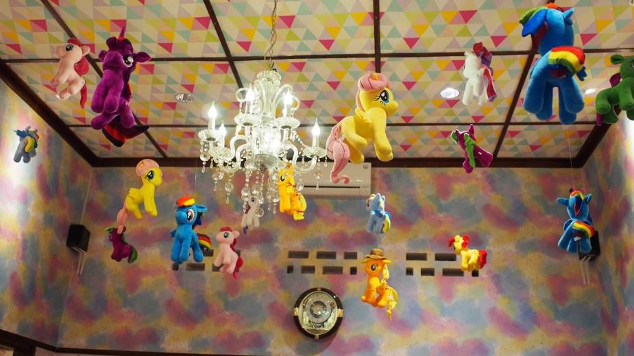 love uniqorn unicorn cafe bandung tempat instagramable di bandung