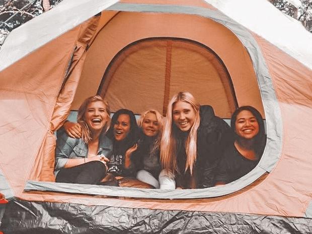 camping bareng sahabat