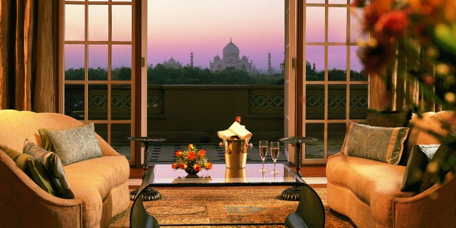 best luxury hotels in agra