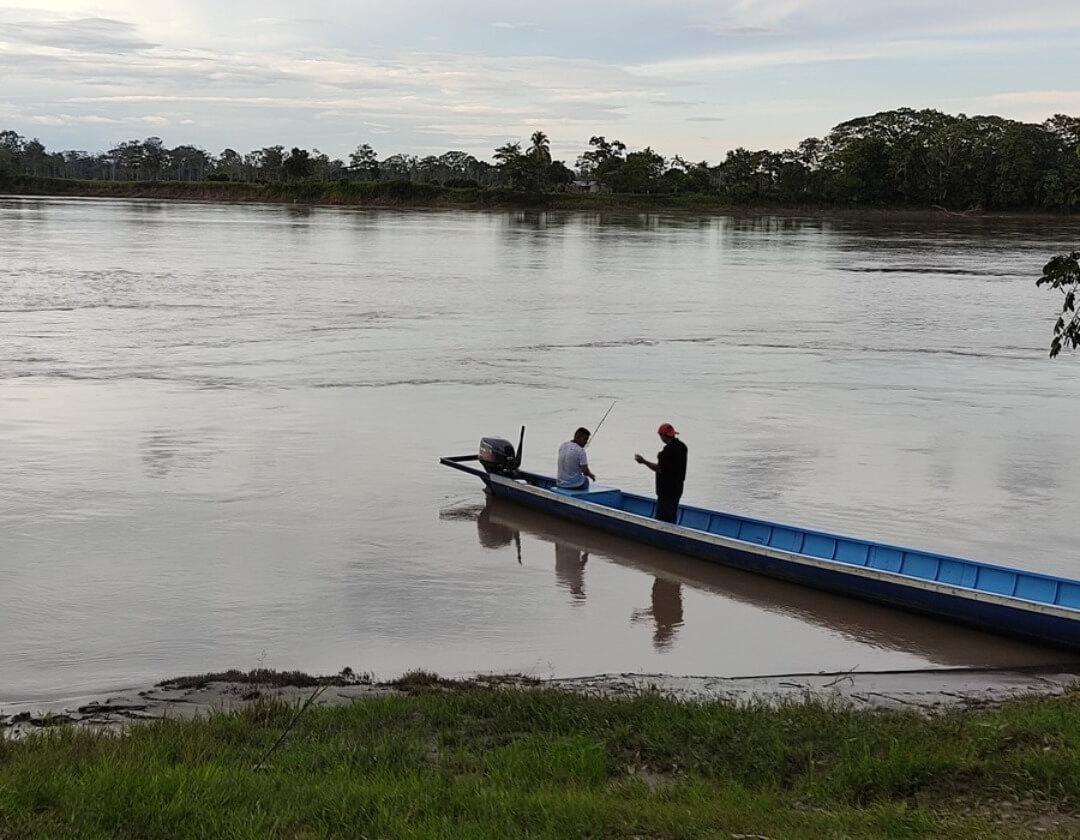San José del Guaviare navegando por el río