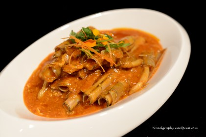 Hawker Style Stir-fried Chilli Bamboo Clam - our local chilli crab with a delightful twist!