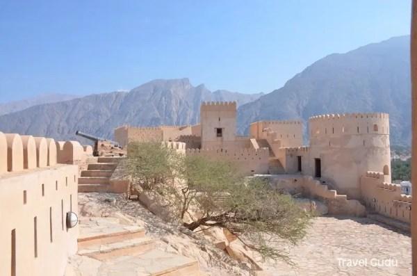 Oman: perdersi nei forti