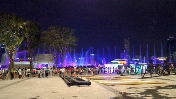 夜の光のショー/マリーナベイサンズ付近(シンガポール)