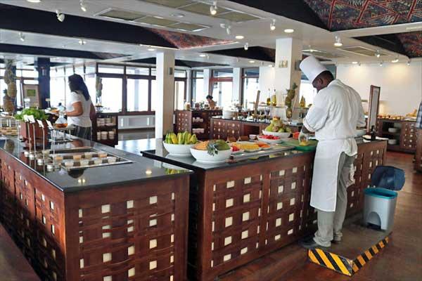 ジェットウィング ライトハウス カルダモン カフェ レストラン 朝食 ビュッフェ 食事