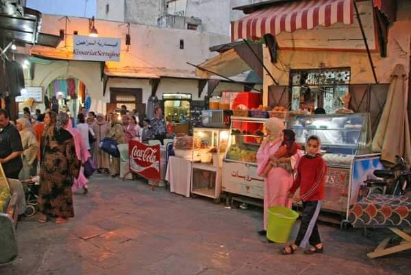 フェズ(モロッコ)の旧市街にて