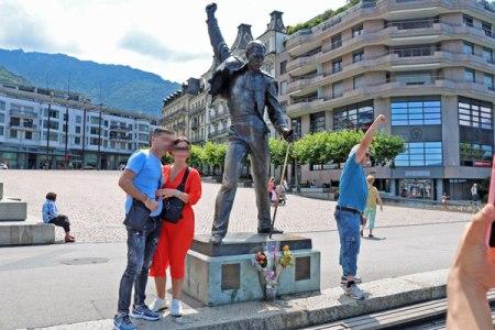 フレディマーキュリー像 モントルー(スイス)