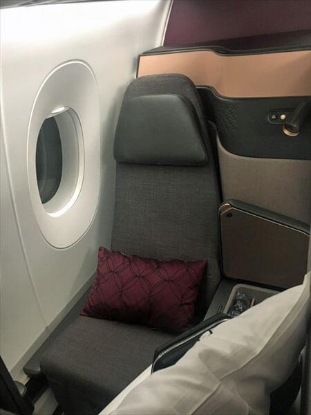 カタール航空 ビジネスクラス:羽田ードーハ A350-1000  Qatar Airways Business class Qsuite