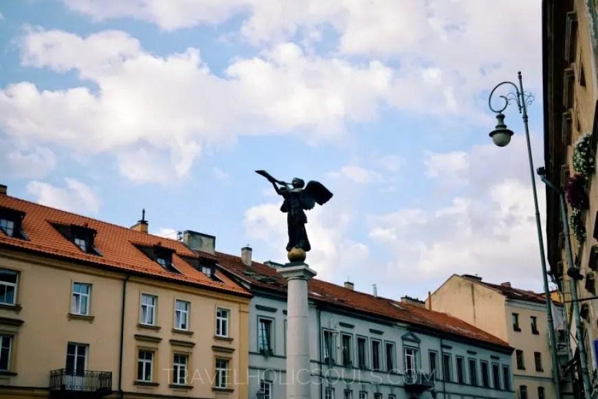 angelo in piazza ad Uzupis, vilnius