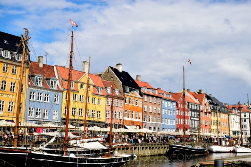 2 days in Copenhagen: Nyhavn colours