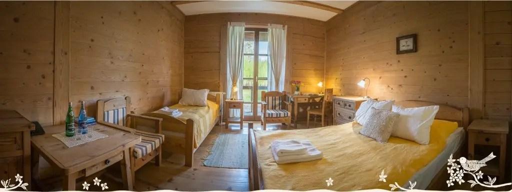 Pokoj-w-stylu-staropolskim-Zagroda-Kuwasy-pensjonat-Podlasie-1024x384