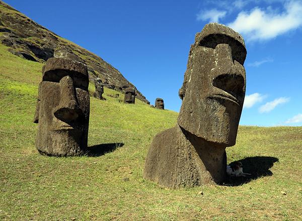 Easter Island Rapa Nui sculptures