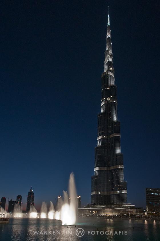 """Kaum ein Weitwinkelobjektiv ist weit genug, um die 822 Meter Höhe des """"Burj Khalifa"""" in Downtown Dubai angemessen einzufangen!"""