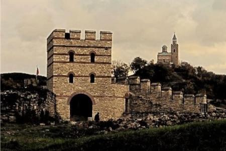 Visit Tsarevets and Trapezitsa Fortresses in Veliko Tarnovo