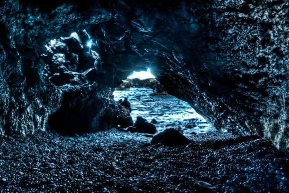 Lava Tube at Wai'anapanapa