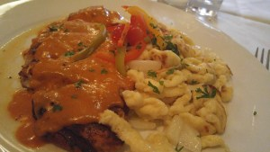 Paprikahuhn: Chicken Breast with Paprika with Spätzle